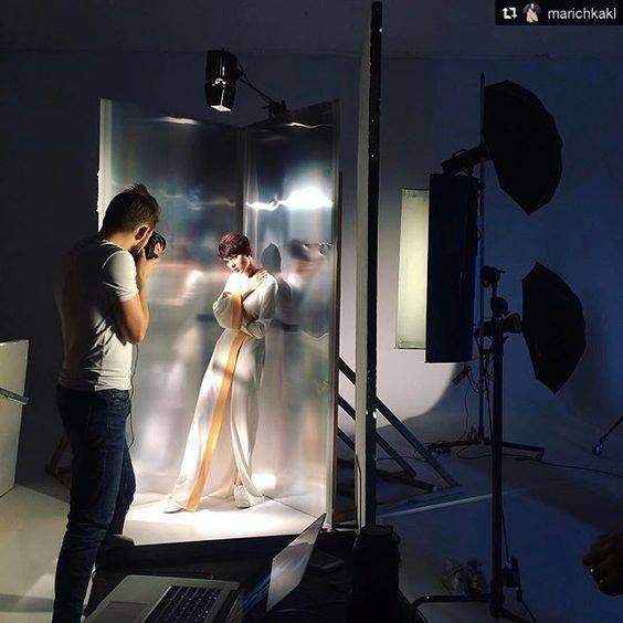 Behind the scenes fashion photography
